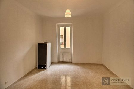 Flat - 2 rooms - 39 m² - BEAUSOLEIL