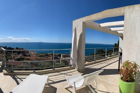 Flat - 4 rooms - 91 m² - CAP-D'AIL